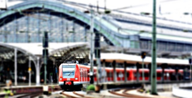 """Bild von """"Mashup"""": Bahnhöfe im Wandel der Zeit"""