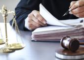 Scheinselbstständigkeit: Fachanwälte für Arbeitsrecht raten zur Vorsicht