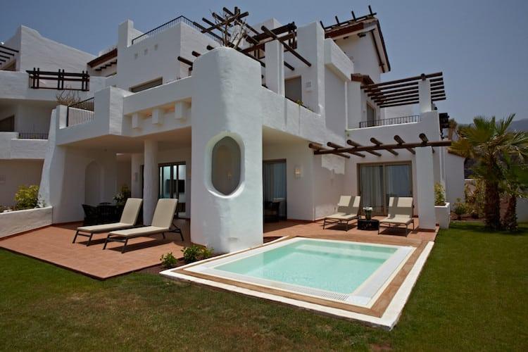 Photo of Erst- oder Zweitwohnsitz auf den Kanaren: Abama-Luxusimmobilien auf Teneriffa in luxuriösem und komfortablem Ambiente immer beliebter