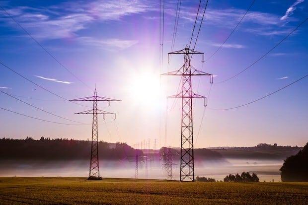 Photo of Mindestens jeder dritte Haushalt in Deutschland zahlt zu viel für Strom