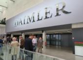 Daimler Trucks bringt Lkw das Bezahlen bei