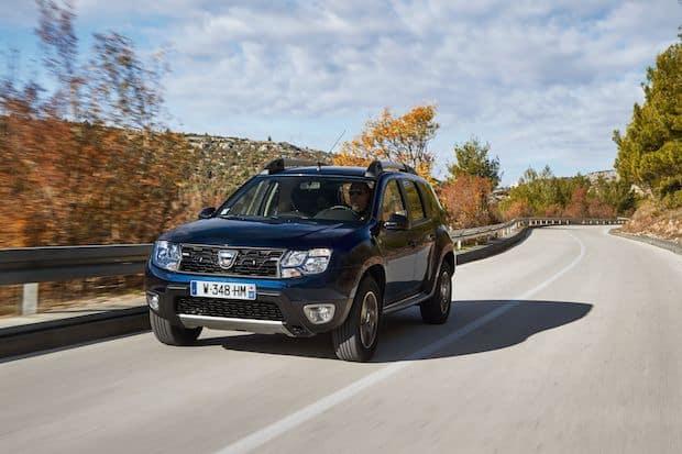 "Photo of Dacia Duster und Dacia Sandero holen Titel ""Restwertriese 2021"""