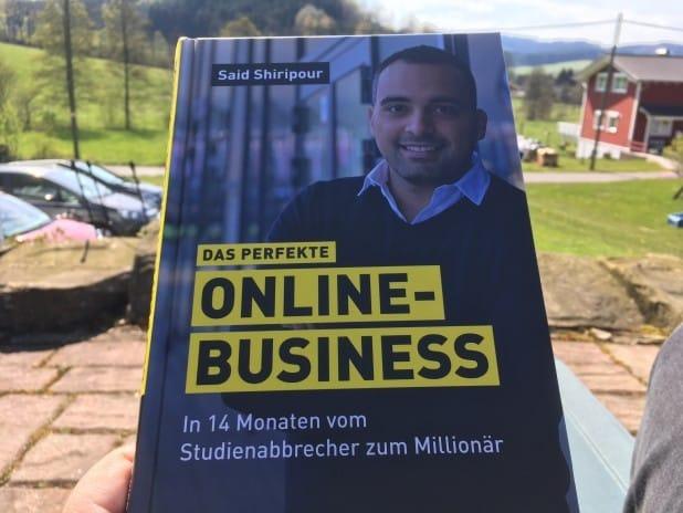 """160 Seiten umfasst """"Das perfekte Online-Business""""."""