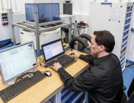 Elektromobile schneller entwickeln mit integrierter Prüf- und Testumgebung