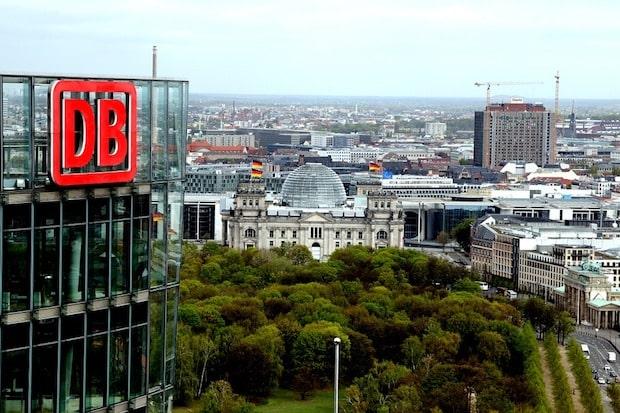 """Photo of 100 Tage """"DB Planet"""": HIRSCHTEC und COYO begleiten Social-Intranet-Projekt der Deutschen Bahn"""