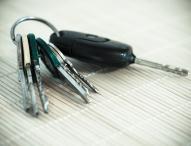 Neu- und Gebrauchtwagen günstiger ersteigern: in drei Schritten