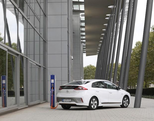 EnBW setzt alles auf neue Ladekarten für Elektromobilität