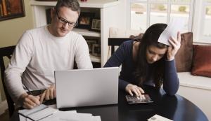 Jeder Zweite macht Steuererklärung online