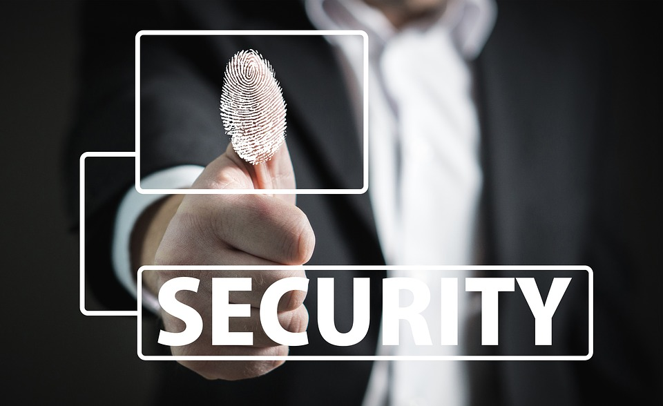 Photo of Sicherheit: McAfee schützt Kundenidentitäten, Smart Homes und WLAN
