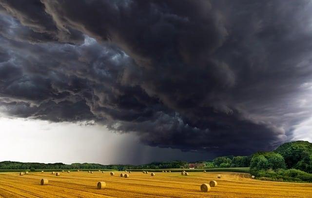 Photo of Stürme und Unwetter im Jahr 2017 kommen die Versicherungen teuer zu stehen