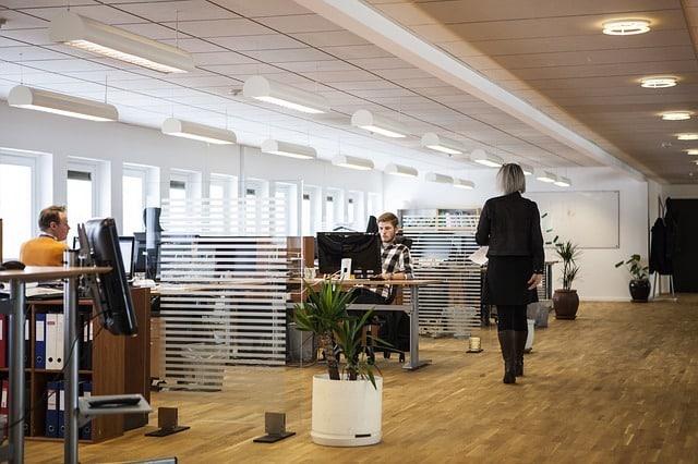 Bild von Großraumbüro statt Einzelzelle: So klappt's im Open Office