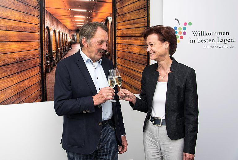 Bild von Deutscher Weinfonds verabschiedet Norbert Weber