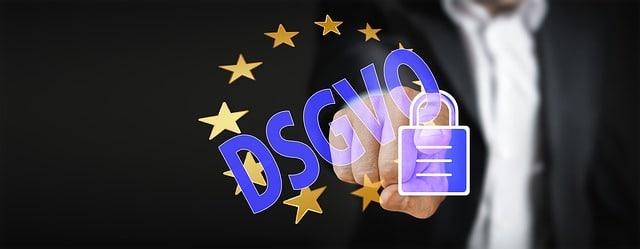 Photo of Was gehört nach der DSGVO in eine Datenschutzerklärung?