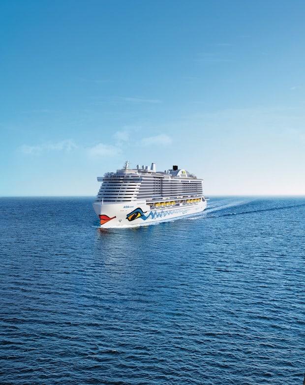 Bild von Schifffahrt: Grüner auf See mit LNG