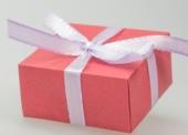 Faltschachteln dienen als Werbeträger und schicke Verpackung zugleich