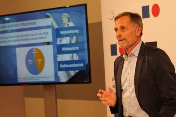 DMEXCO Pressegespräch: BVDW Matthias Wahl sprach über KI und DSGVO. Foto: Sven Oliver Rüsche