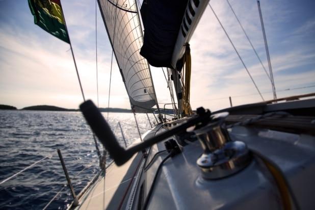 Voll im Trend: Abenteuerreisen auf der Yacht. Foto: Pexels / Pixabay
