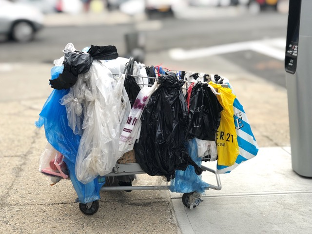 Photo of Papier statt Plastik – Bewusstere Verpackungen bei Lebensmittelhändlern