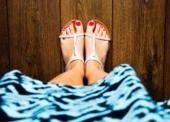 Heiße Füße – Die richtigen Schuhe, um den Sommer im Büro zu überstehen