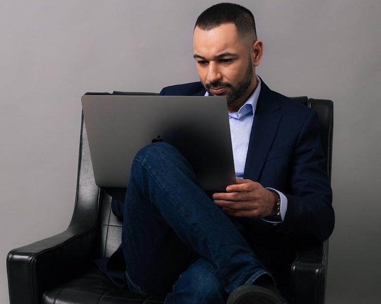 Photo of Inhaber der eCommerce Agentur eBakery – Mohamed Ali Oukassi