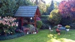 Beeteinfassungen dürfen bei der Gartengestaltung nicht fehlen.