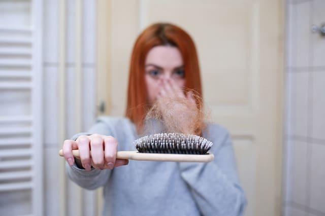 Photo of Eisenmangel: Haarbruch, Kopfschmerzen und Müdigkeit