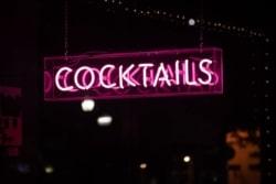 Auf einer Cocktailparty werden natürlich hauptsächlich Cocktails angeboten.