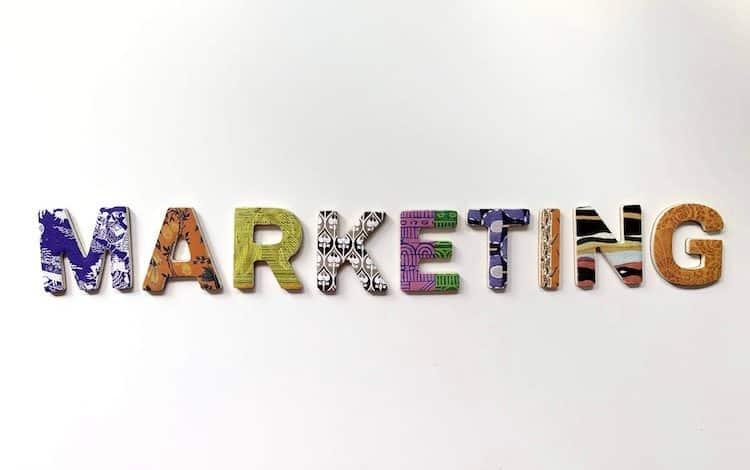 Klassische Werbemittel spielen im Marketing immer noch eine maßgebliche Rolle.