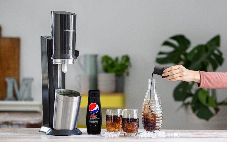 Mit einem Wassersprudler ersparen Sie sich das lästige Getränkekisten schleppen.