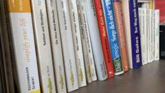 Bücherregal - Erfolgsliteratur