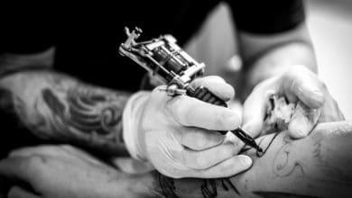 Photo of Körperkunst bald nur noch in Schwarz-Weiß? Die EU will Tattoofarben verbieten