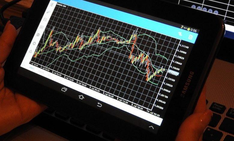 Wer neu und ohne Vorkenntnisse an der Börse spekulieren möchte, wird schnell zur Einsicht kommen, dass man ohne Wissen nicht weit kommt.